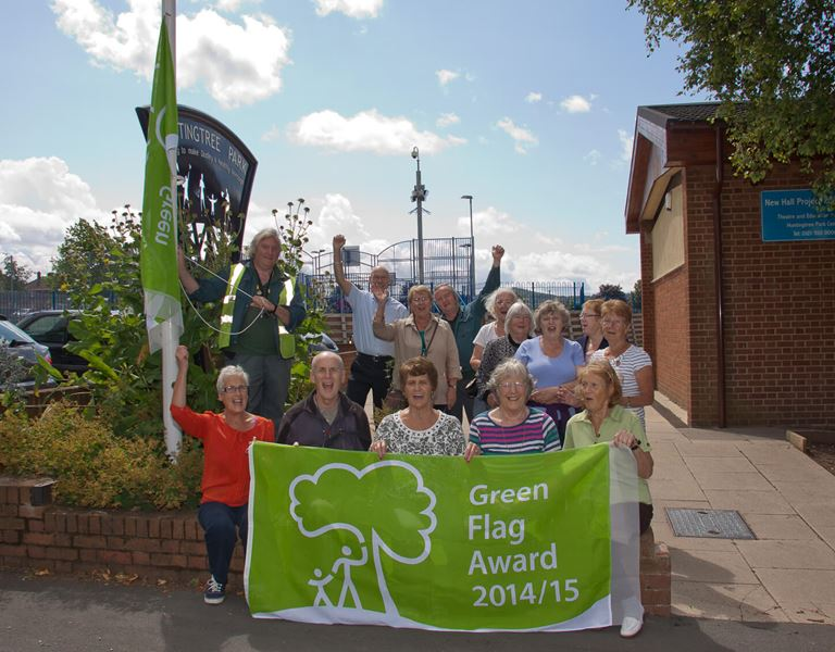 Photo of Green Flag award 2014/15