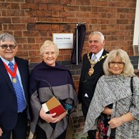 Tribute to former headmaster unveiled