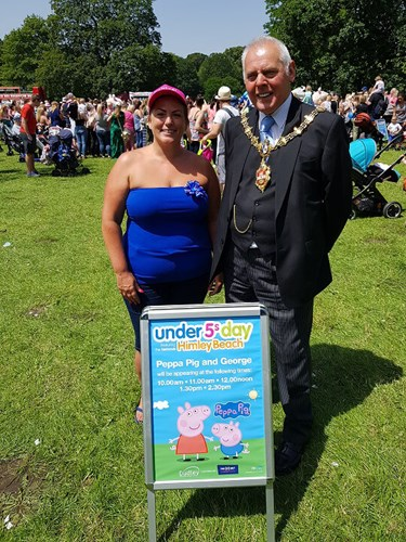 A picture of Lisa from 1:1 Diet and the Mayor of Dudley