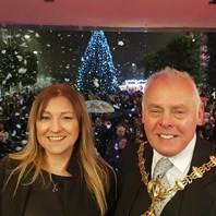 More than a thousand turn out for Dudley switch on
