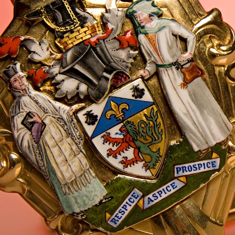 Mayoral Chains and Coat of Arms