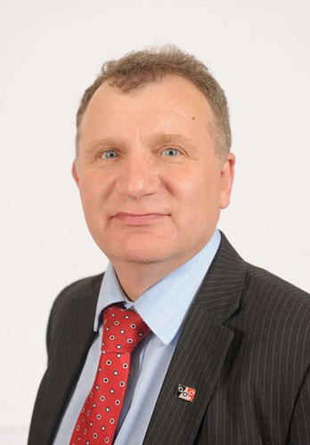 a picture of councillor pete lowe